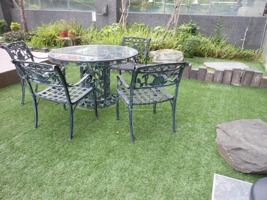 Garden artificial turf