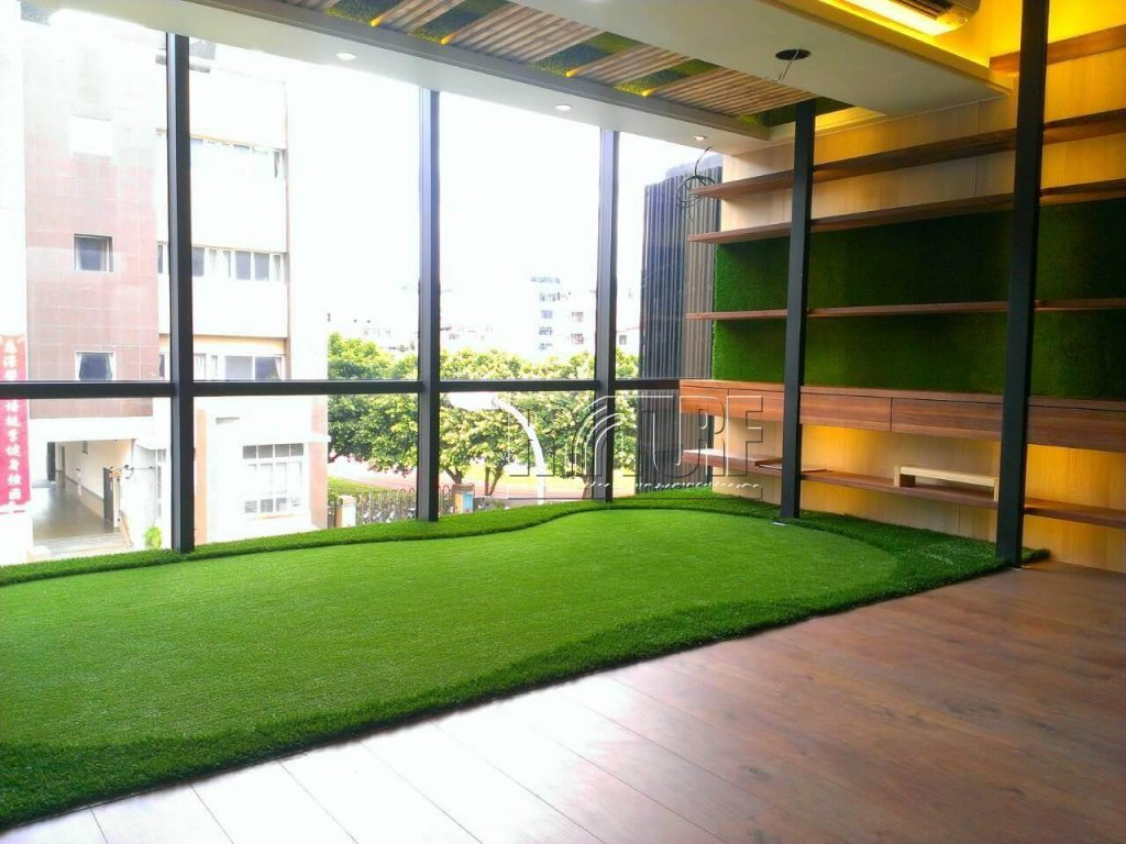Artificial grass wall and green